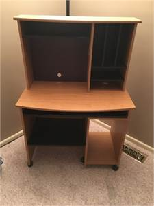 Computer Desk/ Work Station with Great  Storage