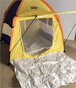 Fun Kid / Child  Pop up tent. Use it now for playtime and use it over the summer-cherry-hill-nj
