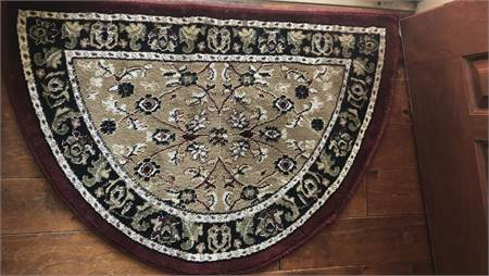 "Hearth Rug,  2' 2"" x 3' 3"" slice rug, cherry & beige,cherry hill nj pickup,shipping available"
