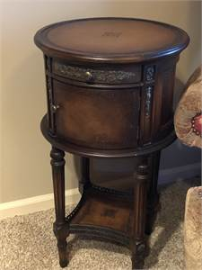 very pretty round end table with cabinet door local pickup cherry hill nj