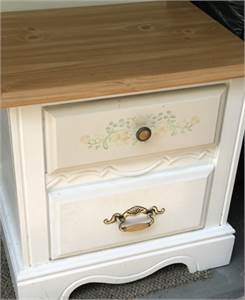 Cute end table for bedroom cherry-hill-Nj