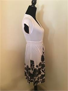 Comfy and Pretty Dress Black and White Dress Size Medium shipping available