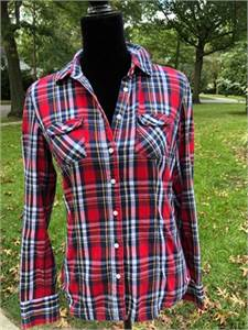 Aeropostale Red Plaid Button-down shirt Size Juniors Medium