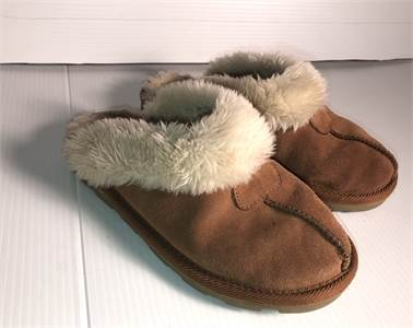 Uggs slip on slide on shoes preowned size 6