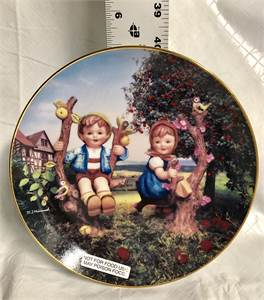 """M.J. Hummel """"Apple Tree Boy And Girl"""" Plate TW7773 From 1992  approx 5 or 6 inches"""