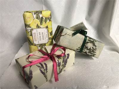 Sealed New Soaps All Made in 🇮🇹 Italy Lemon, Lavender And Pine.