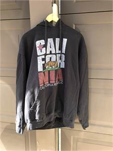 California Republic Black sweatshirt with Bear picture,  size XL   preowned hoodie-cherry-hill-nj