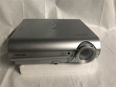 NEW IN BOX WITH EVERYTHING ! Toshiba TDP-S35 Portable Projector w/ Lamp