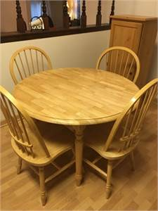 SOLD ! Solid Oak Wood Kitchen Table + 4 Chairs