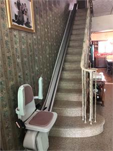 Acorn Stair Lift, medical, help upstairs with Acorn Stair Life, Philadelphia PA pickup