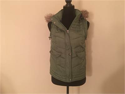 Cute! Army Green Vest with hood by Mossimo Size 12 / 14   Free Shipping
