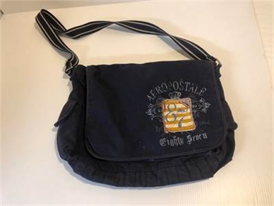 Blue Aeropostale messenger bag: preowned good condition, includes shipping-cherry-hill-nj