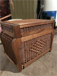 Basket weave chest / Wicker Chest