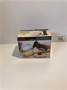 sold! OGGI Creme Brulee Set 5 piece set includes 4 oval ramekins and 1 culinary torch-cherry-hill-nj