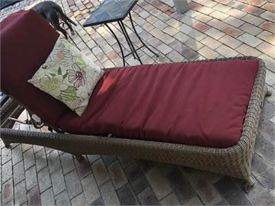 Excellent Wicker, Chaise Lounge for patio and backyard dreaming! Local pickup only in Cherry-Hill-NJ